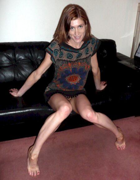 Femme libertine soumise pour coquin expérimenté de temps à autre disponible