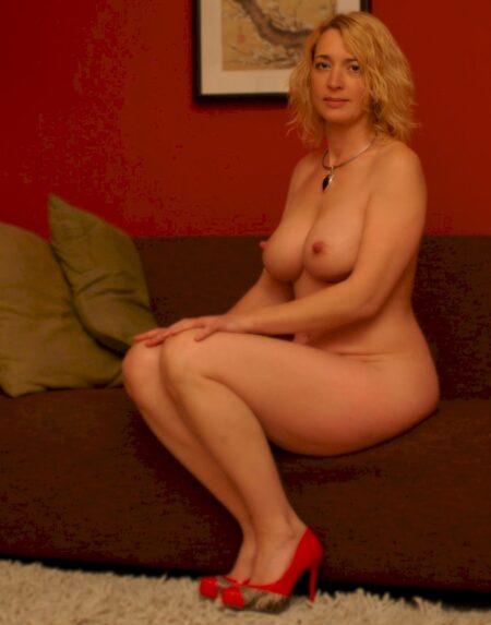 Pour un weekend de sexe sans tabou avec une femme cougar sexy